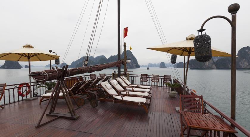 Terrace de Jonque Violet Halong