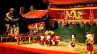 Spectacle des marionnettes sur l'eau au Vietnam