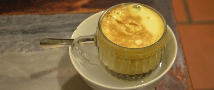 Cafe aux oeufs du Vietnam