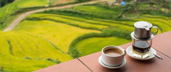 Boire du cafe vietnamien à Sapa