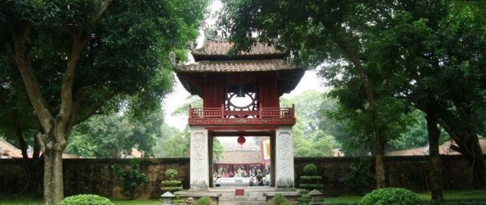 Visite temple de litterature de Hanoi