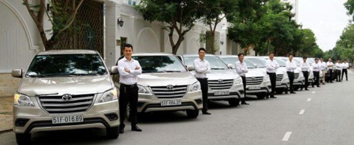 Voiture chauffeur à Hanoi