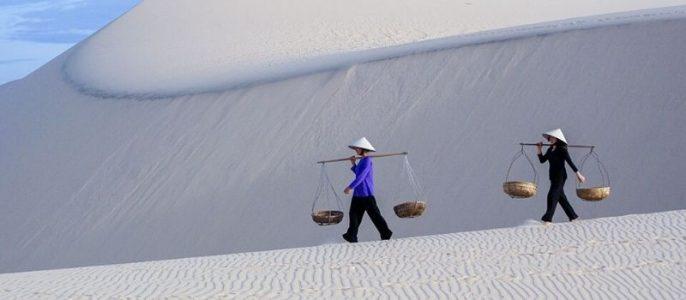 Dune sable blanc Mui Ne - voiture de Saïgon à Mui Ne