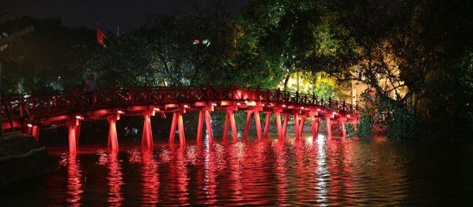 Lac Hoan Kiem et Temple Ngoc Son - Voyage au Vietnam Hanoi